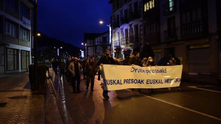 """""""Orain presoak! Euskal Presoak Euskal Herrira"""" lelopean egin dute manifestazioa"""