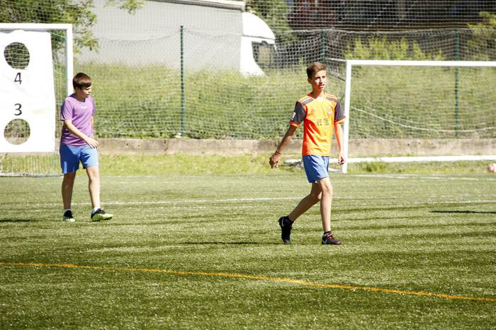Danena futbol taldeak haurrentzako ate irekiak antolatu ditu Elbarrena futbol zelaiean