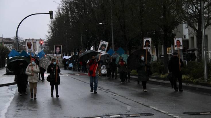 Presoen aldeko manifestazioa izan da arratsaldean Aiztondo mailan