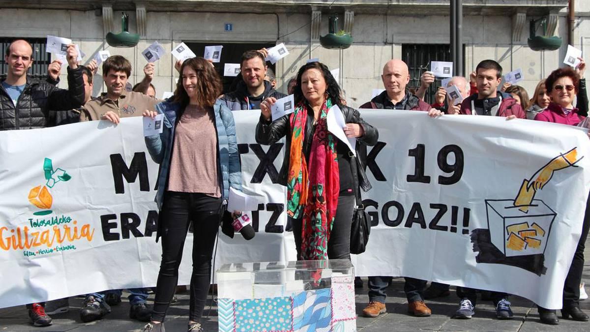 'Plazak aldarriz betetzeko' deia egin du Hamaika Garak iganderako