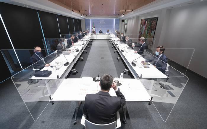Aro berriari dagokion protokoloa argitara eman du Eusko Jaurlaritzak