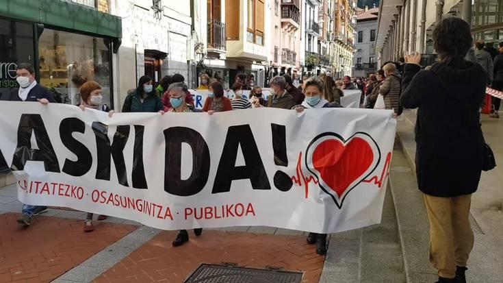 Osasungintza Publikoaren aldeko manifestazioa Tolosan