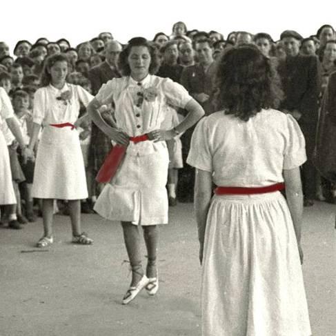 Hitzaldia: Genero-identitatea euskal dantzan
