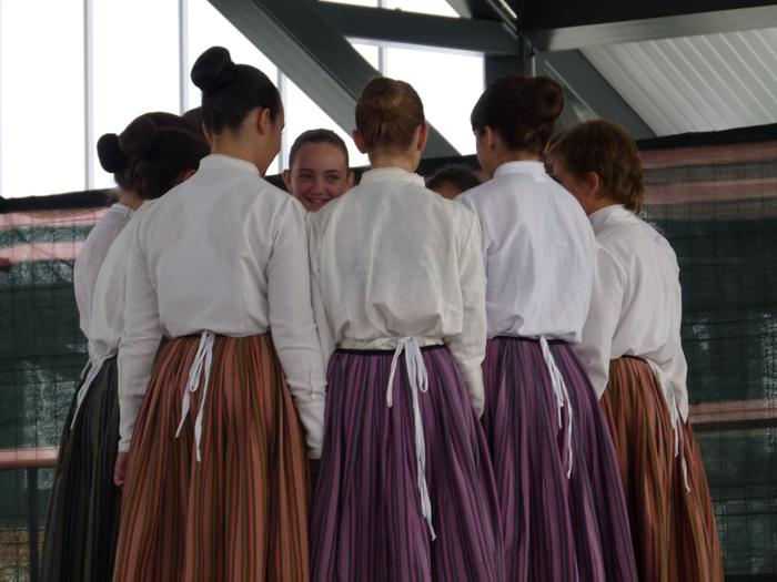 Zabalik da Bukalai dantza taldean izena emateko epea