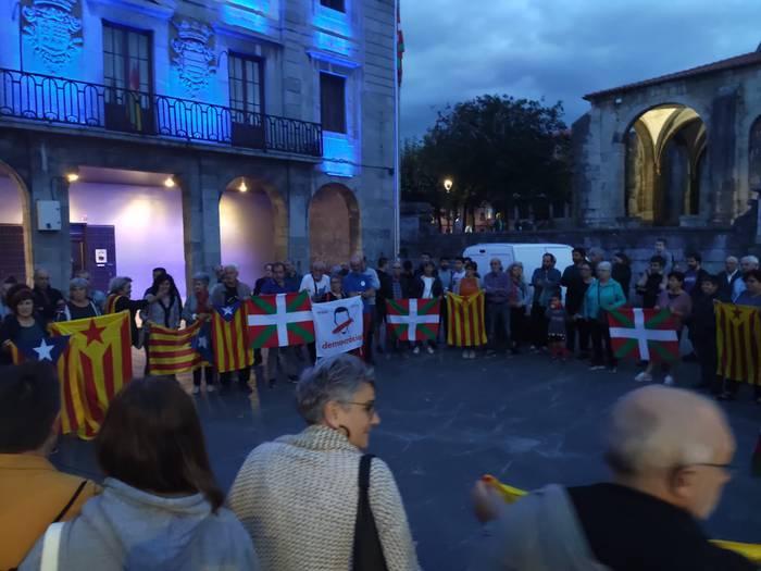 Gure Esku Dagorentzat Kataluniako auziaren sententzia demokraziaren aurkako eraso larria da