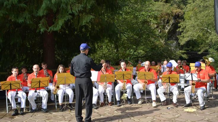 Unanibia musika piezaren estreinaldia