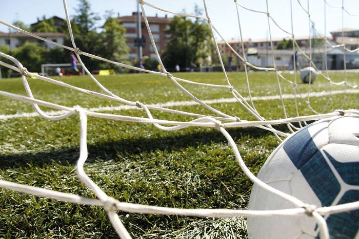 Danena eta Billabona futbol eskoletan izena emateko epea, zabalik