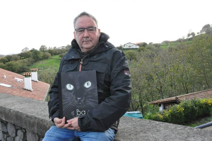 """""""Euskal emakumeen aldeko aldarria egiten dut liburuan"""""""